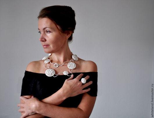 """Колье, бусы ручной работы. Ярмарка Мастеров - ручная работа. Купить Ожерелье из серии """"Одуванчики"""" , фарфор, серебро.. Handmade."""