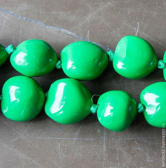 Для украшений ручной работы. Ярмарка Мастеров - ручная работа. Купить Зеленые крупные бусины из ореха Кукуи. Handmade. Бусины