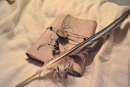 Записные книжки ручной работы. Ярмарка Мастеров - ручная работа. Купить блокнот-книга для записей из натуральной кожи. Handmade. Бежевый
