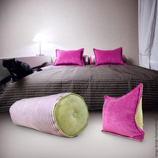 Delicious Roll - большая подушка-валик в интерьере от RANGA Performance