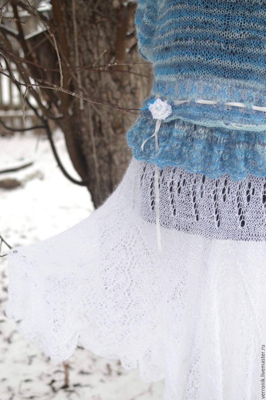 Что у снегурочке под юбкой