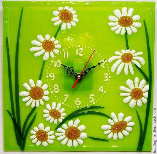 """Часы для дома ручной работы. Ярмарка Мастеров - ручная работа. Купить Часы фьюзинг """"Ромашки"""". Handmade. Часы интерьерные, фьюзинг"""