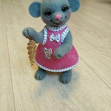 Куклы и игрушки ручной работы. Ярмарка Мастеров - ручная работа Валяная игрушка, Мышка в сарафане, игрушка из шерсти. Handmade.