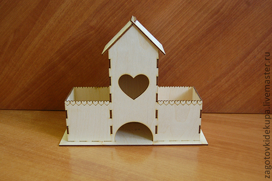 Чайный домик с лотками  (продается в разобранном виде в палетах) Размеры:  габарит - 27х22х11 см домик - 24,5х22х8,5 см,  подставка - 27х11 см Материал: фанера 3 мм