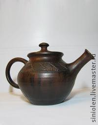 Все чайники немного разные , цена зависит от размера.  0,5 литра - 500 рублей ,0,8 литра - 700 рублей ,2 - 2,5 литра 1000 рублей