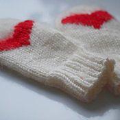 Аксессуары ручной работы. Ярмарка Мастеров - ручная работа Варежки  вязаные из овечьей шерсти для влюбленных. Handmade.
