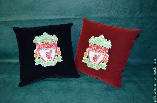 Декоративные подушки с любой вышивкой на заказ. Данные подушки с двухсторонней вышивкой.