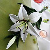 """Украшения ручной работы. Ярмарка Мастеров - ручная работа """"Ваше Лилейшество"""" Брошь цветок натуральная кожа лилия зеленый. Handmade."""