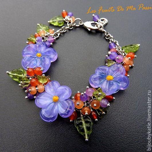 Этот браслет сделан не мною, но с использованием моих бусин)) http://www.livemaster.ru/item/11075513-materialy-dlya-tvorchestva-businy-steklyannye-lempvork  Устоять не смогла - выкладываю его в свой м
