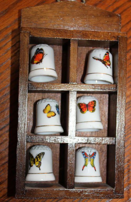 Винтажные предметы интерьера. Ярмарка Мастеров - ручная работа. Купить 6 коллекционных напёрстков в дубовой рамке с бабочками, Герм. Handmade.