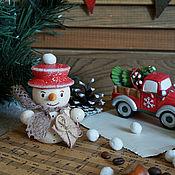 Подарки к праздникам ручной работы. Ярмарка Мастеров - ручная работа Снеговик - почтовик, елочная игрушка. Handmade.