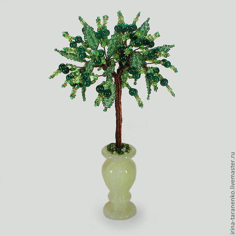 Love tree made of malachite in a vase of onyx