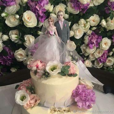 """Свадебный салон ручной работы. Ярмарка Мастеров - ручная работа Фигурки на свадебный торт""""Сиреневая свадьба свадебные фигурки. Handmade."""