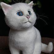Куклы и игрушки ручной работы. Ярмарка Мастеров - ручная работа Игрушка из шерсти Белый кот. Handmade.