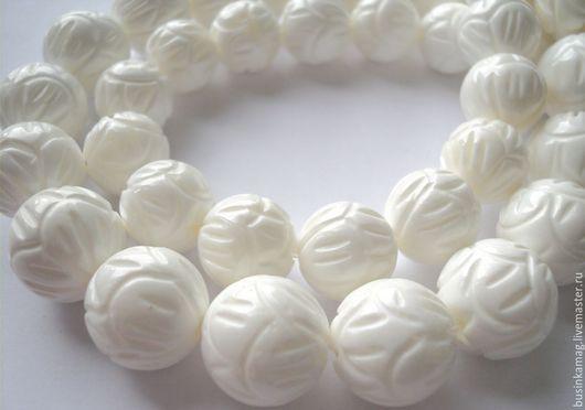 Для украшений ручной работы. Ярмарка Мастеров - ручная работа. Купить Коралл белый резной бусины шарики 12мм, 14мм, 16мм. Handmade.