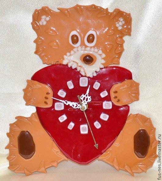 Часы для дома ручной работы. Ярмарка Мастеров - ручная работа. Купить Влюбленный мишка Фьюзинг. Handmade. Коричневый, часы для любимых
