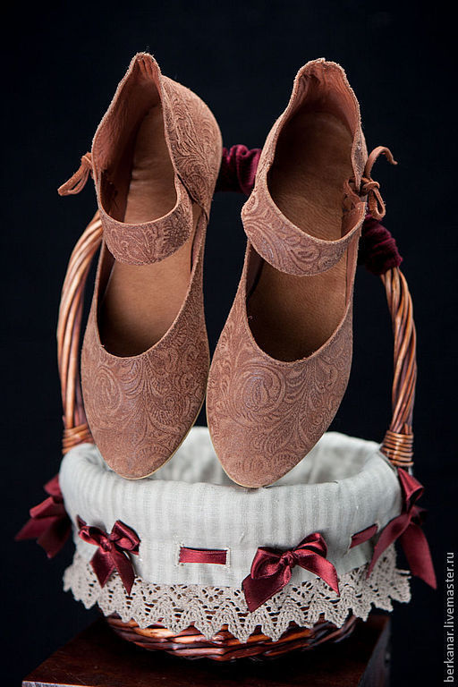 Обувь ручной работы. Ярмарка Мастеров - ручная работа. Купить Туфельки для Принцессы. Handmade. Коричневый, кожаная обувь, кожа 100%