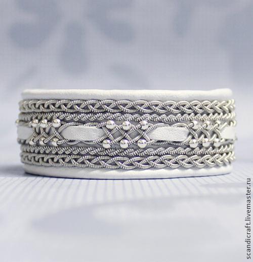 Шведский браслет ручной работы, саамский браслет из кожи оленя. Серебряные бусины, серебро 925 пробы. Скандинавская оловянно-серебряная нить. Женский кожаный браслет. Белый браслет. Серебряный браслет