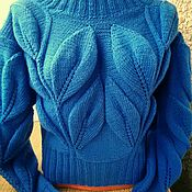Одежда ручной работы. Ярмарка Мастеров - ручная работа Свитер с большими листьями в голубом. Handmade.