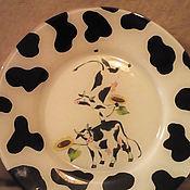 """Для дома и интерьера ручной работы. Ярмарка Мастеров - ручная работа Декоративная тарелка """"Веселые коровки"""". Handmade."""