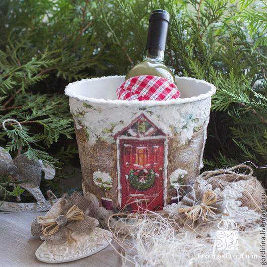 """Кухня ручной работы. Ярмарка Мастеров - ручная работа. Купить """"Рождество"""". Handmade. Новый Год, шампанское, акриловые краски и лак"""