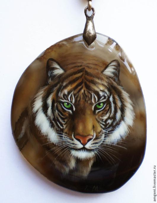 """Кулоны, подвески ручной работы. Ярмарка Мастеров - ручная работа. Купить Кулон """"Тигр"""". Handmade. Коричневый, тигр, хищник"""