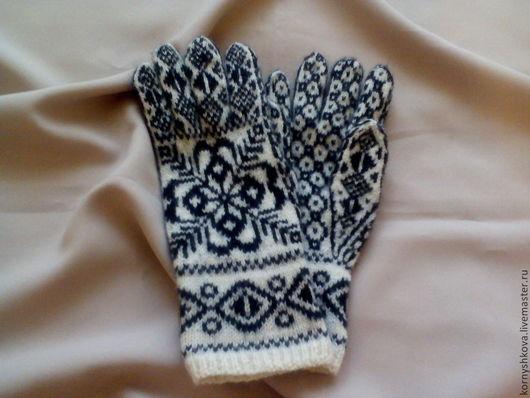 """Варежки, митенки, перчатки ручной работы. Ярмарка Мастеров - ручная работа. Купить перчатки шерстяныве вязаные на спицах """"снежинка-1"""". Handmade."""