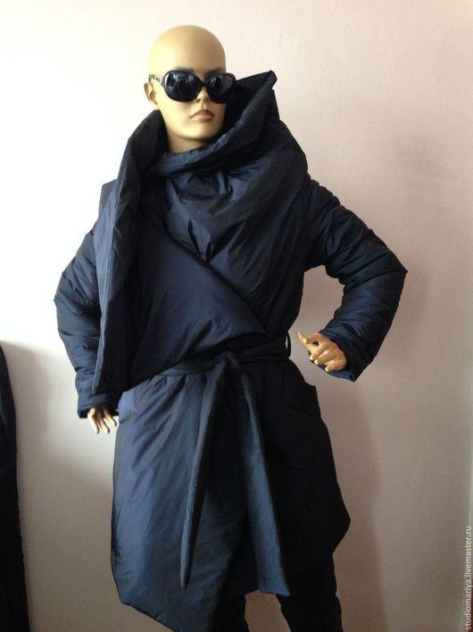 Верхняя одежда ручной работы. Ярмарка Мастеров - ручная работа. Купить Женское  зимнее пальто стеганой ткани -темносинее. Handmade.