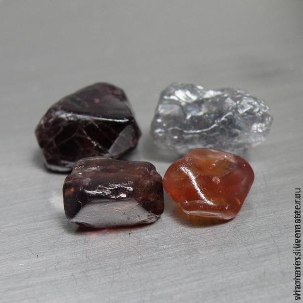 Шпинель камень