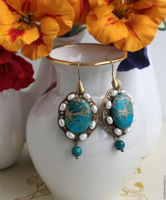 Серьги бирюзовые из жемчуга и  императорской яшмы. Бирюзовые серьги, в винтажный стиль. Натуральный речной жемчуг,небесный цвет, голубой,императорская яшма.