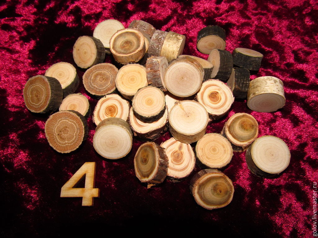 Сувениры из спилов дерева