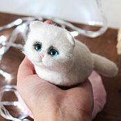 Куклы и игрушки handmade. Livemaster - original item Cat Snowball puffy toy made of wool. Handmade.