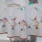 Винтаж ручной работы. Ярмарка Мастеров - ручная работа Старинная круглая скатерть с вышивкой, диаметр 120 см. Германия. Handmade.