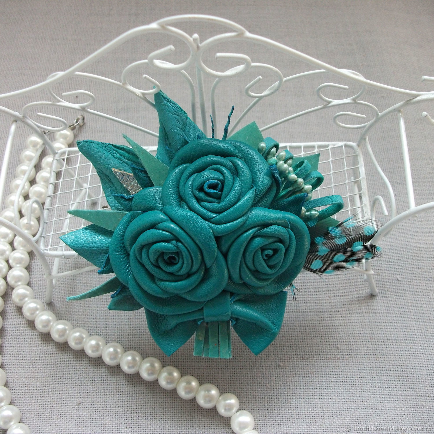 Small leather brooch with a bouquet of roses emerald-turquoise color, Brooches, Minsk,  Фото №1