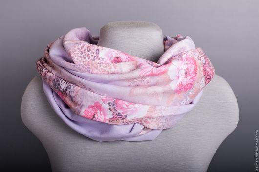 Все шарфы мы делаем всего в нескольких экземплярах. Так что Вы вряд ли когда-либо встретите такой же еще у кого-то )  LA ALMARE это ОРИГИНАЛЬНОСТЬ НА ЗАКАЗ.