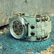 Украшения ручной работы. Ярмарка Мастеров - ручная работа Наручные часы Knight Mint, часы наручные на широком кожаном браслете. Handmade.