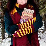 Аксессуары handmade. Livemaster - original item Harry Potter Gryffindor mitts knitted fingerless gloves. Handmade.