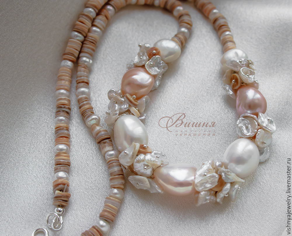 the pearls of the baroque Baroque pearls are pearls that have an irregular shape they tend to be non-symmetrical, coming in a wide array of shapes like ovoid, curved, pinch or lump shapes there are also semi-baroque pearls, which can resemble normally-shaped pearls, but will also have slight irregularities that make them.
