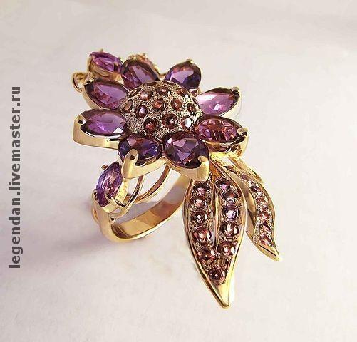 Золотое кольцо 585 пробы с аметистами и родолитами
