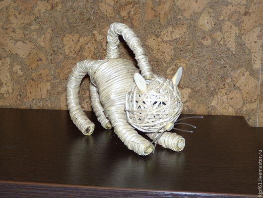 """Статуэтки ручной работы. Ярмарка Мастеров - ручная работа. Купить Интерьерная игрушка """" Кошка"""" из ивового прута. Handmade. Бежевый"""