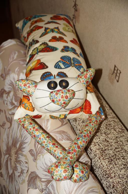 """Текстиль, ковры ручной работы. Ярмарка Мастеров - ручная работа. Купить Игрушка-подушка """"Радужный кот"""" нежные бабочки. Handmade."""