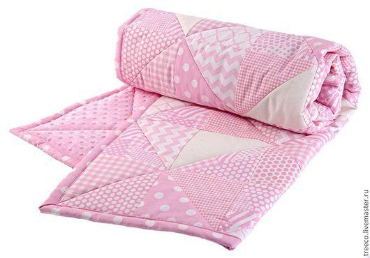 Пледы и одеяла ручной работы. Ярмарка Мастеров - ручная работа. Купить Детское лоскутное одеяло с плюшем. Handmade. Розовый, микрофибра
