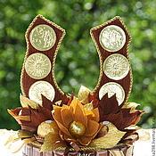 Цветы и флористика ручной работы. Ярмарка Мастеров - ручная работа Букет из конфет Подкова. Handmade.