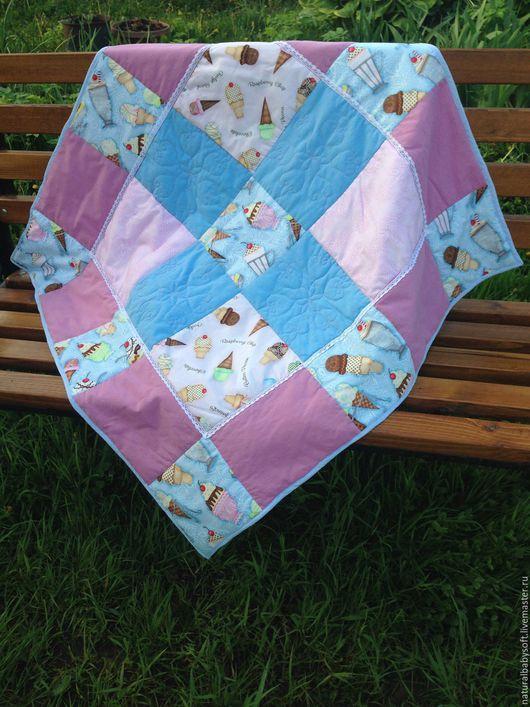 Пледы и одеяла ручной работы. Ярмарка Мастеров - ручная работа. Купить Детское лоскутное одеяло  ДЛЯ НОВОРОЖДЕННЫХ на выписку. Handmade.