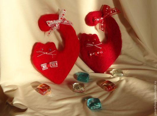 Подарки для влюбленных ручной работы. Ярмарка Мастеров - ручная работа. Купить Сердечные Котики. Handmade. Ярко-красный, любовь, сердечный