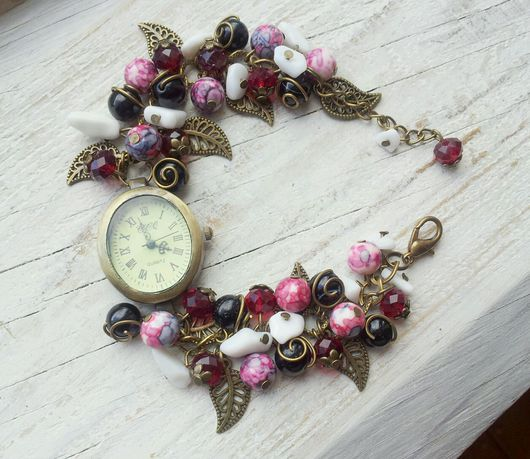 """Часы ручной работы. Ярмарка Мастеров - ручная работа. Купить Часы ручной работы """"Малина"""". Handmade. Часы ручной работы"""