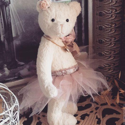 Мишки Тедди ручной работы. Ярмарка Мастеров - ручная работа. Купить Лея, Мишка-тедди в подарочной коробке. Handmade. Белый