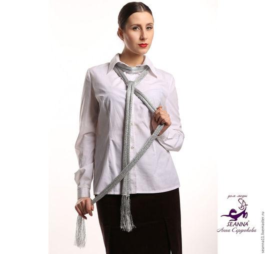 Дизайнер Анна Сердюкова (Дом Моды SEANNA).  Шарф-лариат `Расплавленное серебро` вязаный из итальянской вискозы. Длина - 2,5 метра. Цена - 3700 руб.