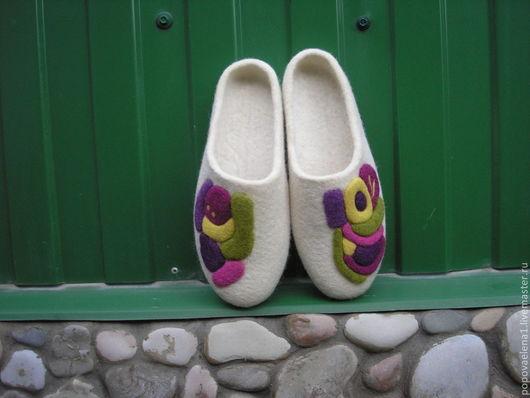 """Обувь ручной работы. Ярмарка Мастеров - ручная работа. Купить Валяные тапочки """" Ассорти"""". Handmade. Валяные тапочки"""