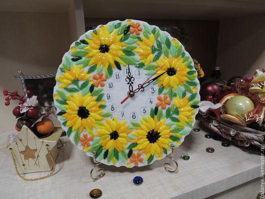 """Часы для дома ручной работы. Ярмарка Мастеров - ручная работа. Купить Часы настенные из стекла """" Солнышко на блюде"""" фьюзинг. Handmade."""